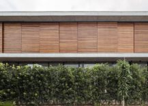 Moving-wooden-panels-for-the-upper-bedroom-levels-217x155