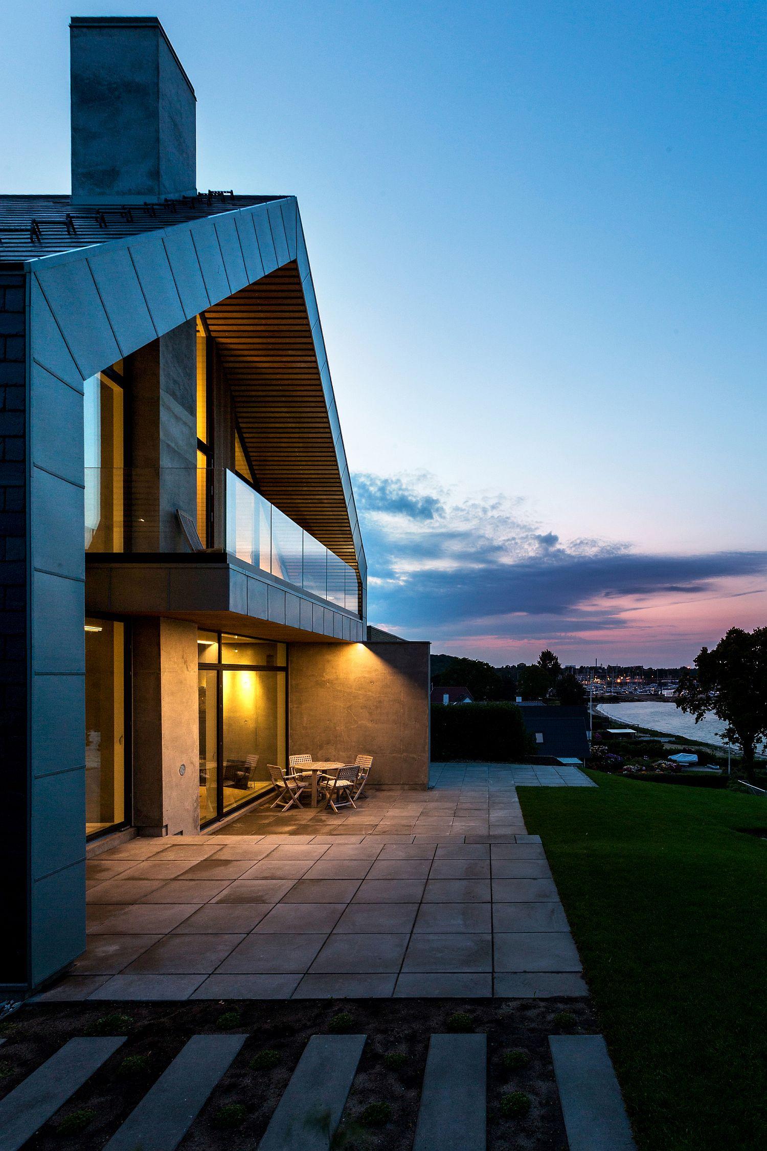 Ocean views and Scandinavian design shape stunning villa in Denmark