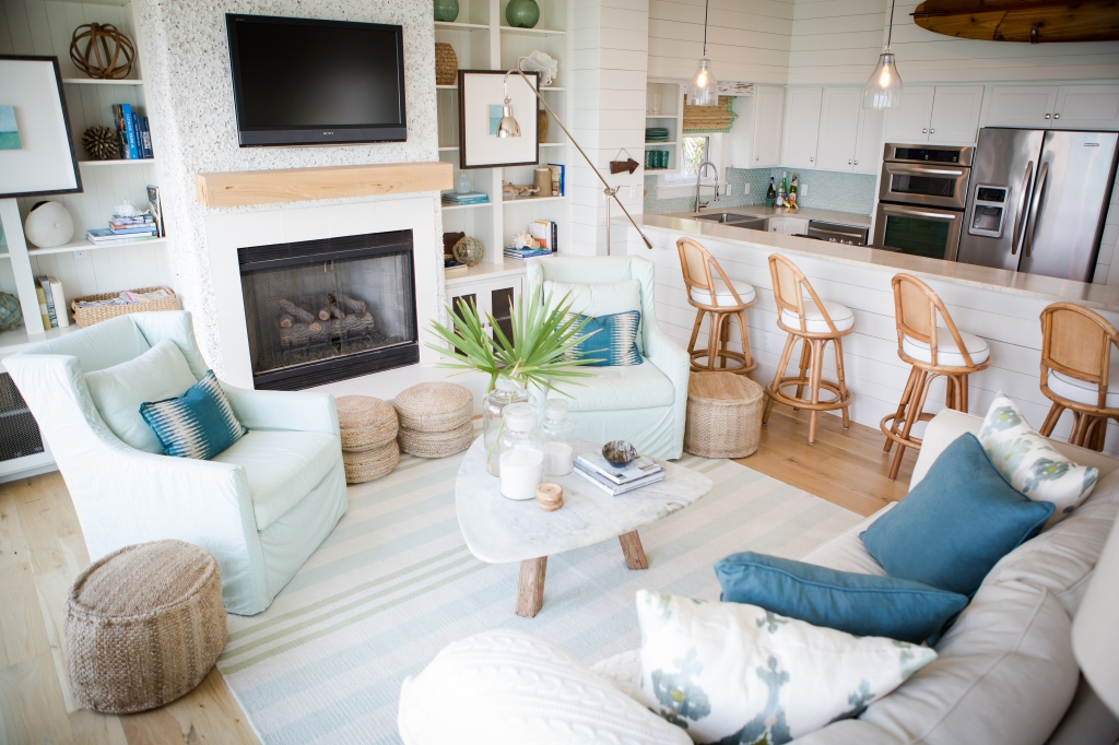 view in gallery - Coastal Living Room