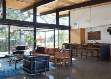 Open-interior-of-the-home-inspired-by-the-classic-Eichler-design-217x155