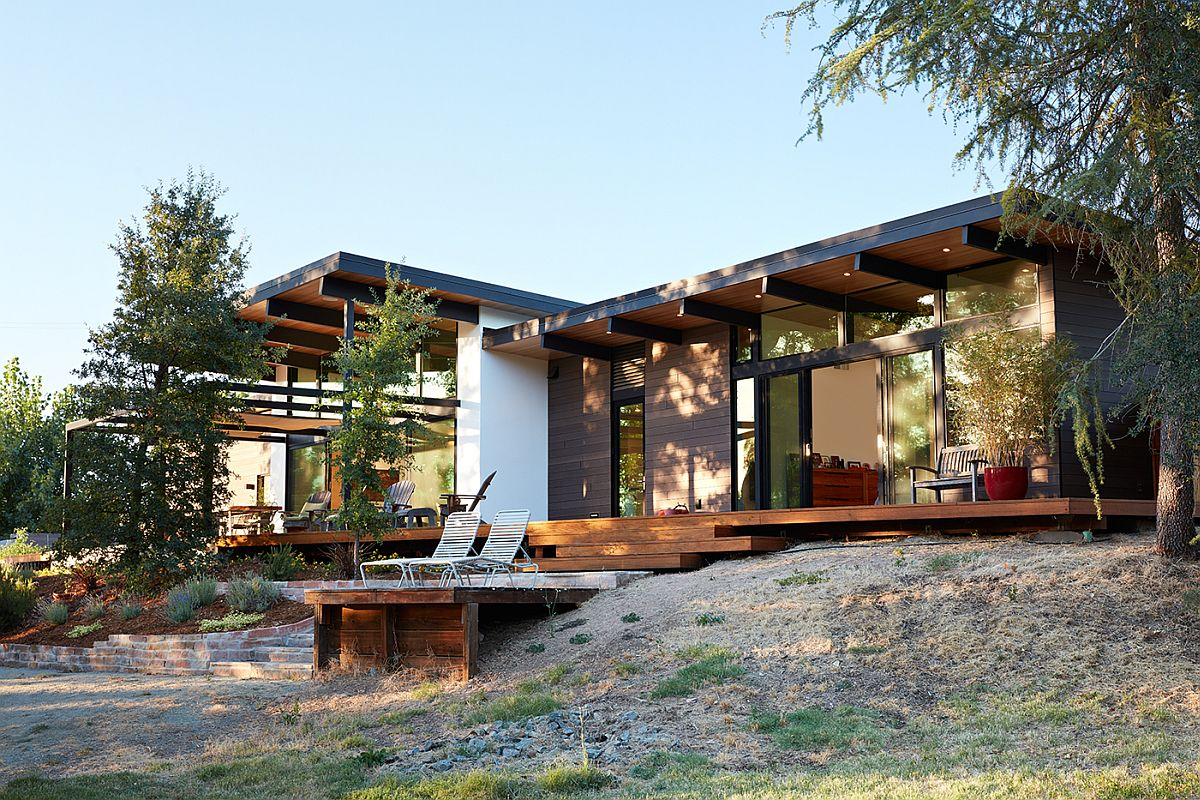 Sacramento modern residence inspired by the classic for California architecture style