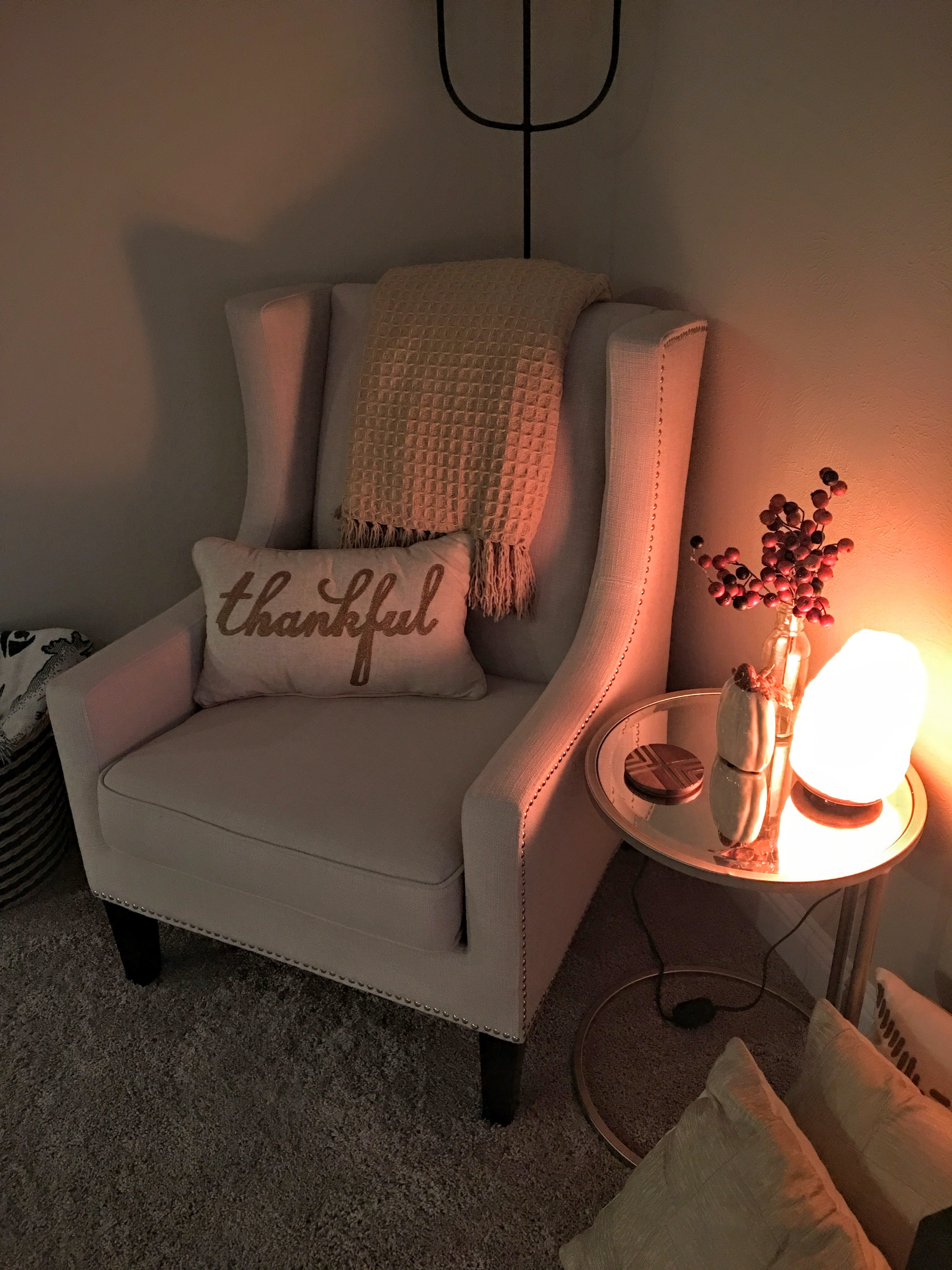 Salt lamp as a marvelous addition to a space decorated in beige tones