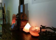 Salt-lamps-in-different-shapes-and-sizes--217x155