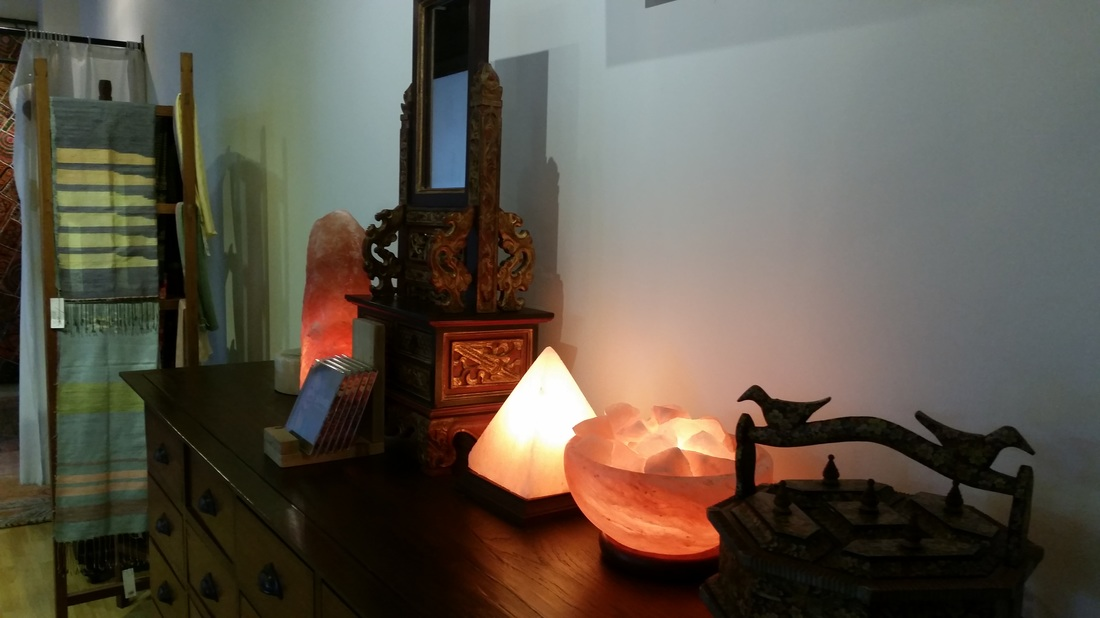 Himalayan Salt Lamp Size Per Room : Energetic Lights: Himalayan Salt Lamps as a Unique Decor Piece