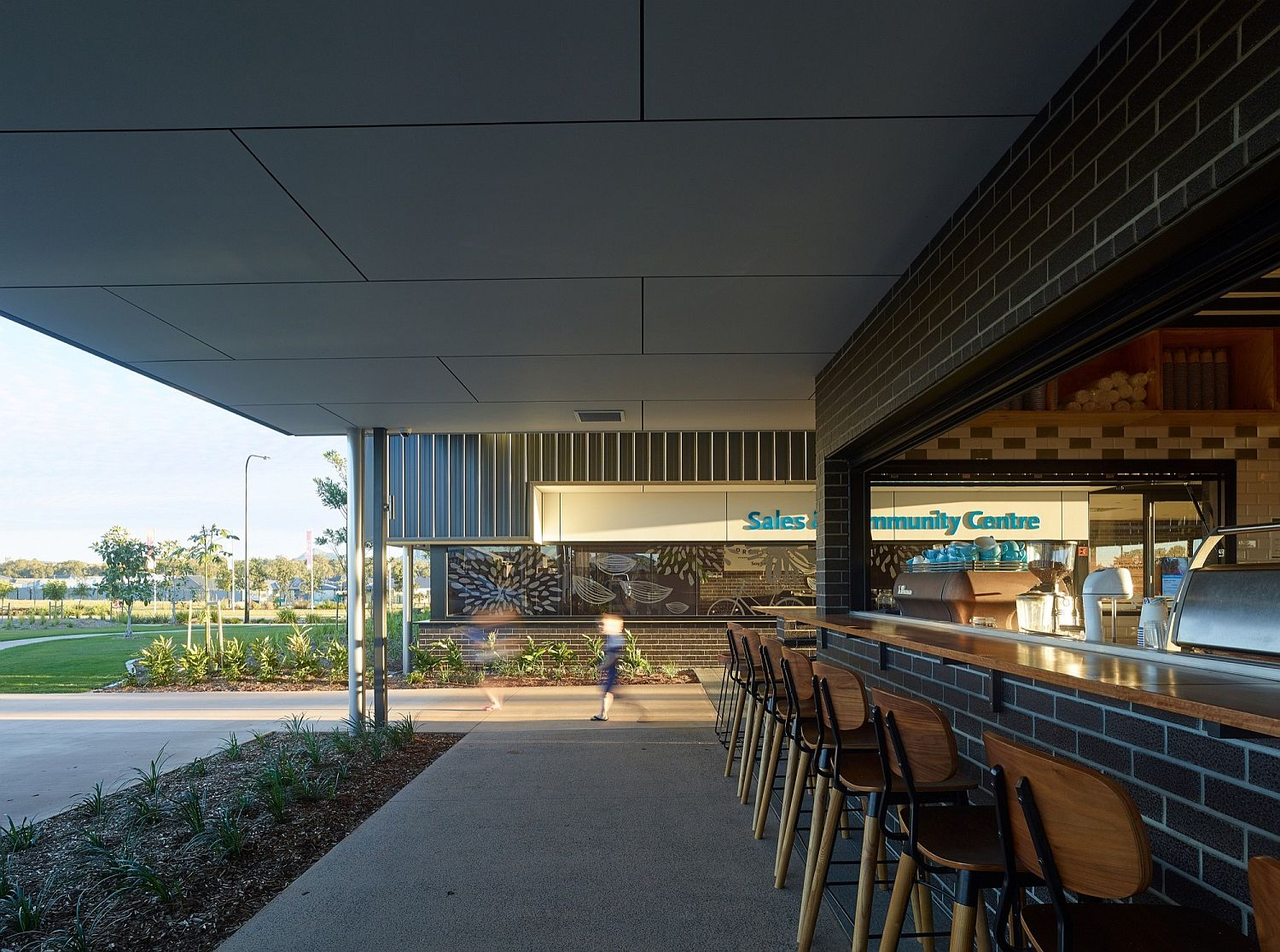 Shaded outdoor zones give ample space for interaction and relaxation