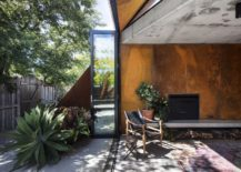Stackable-folding-doors-of-the-lounge-room-connect-it-with-the-greenery-outside-217x155