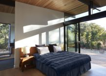 Stackable-glass-doors-open-up-the-bedroom-completely-to-the-scenery-outside-217x155