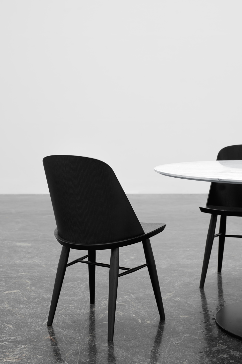 Synnes dining chair in black painted ash