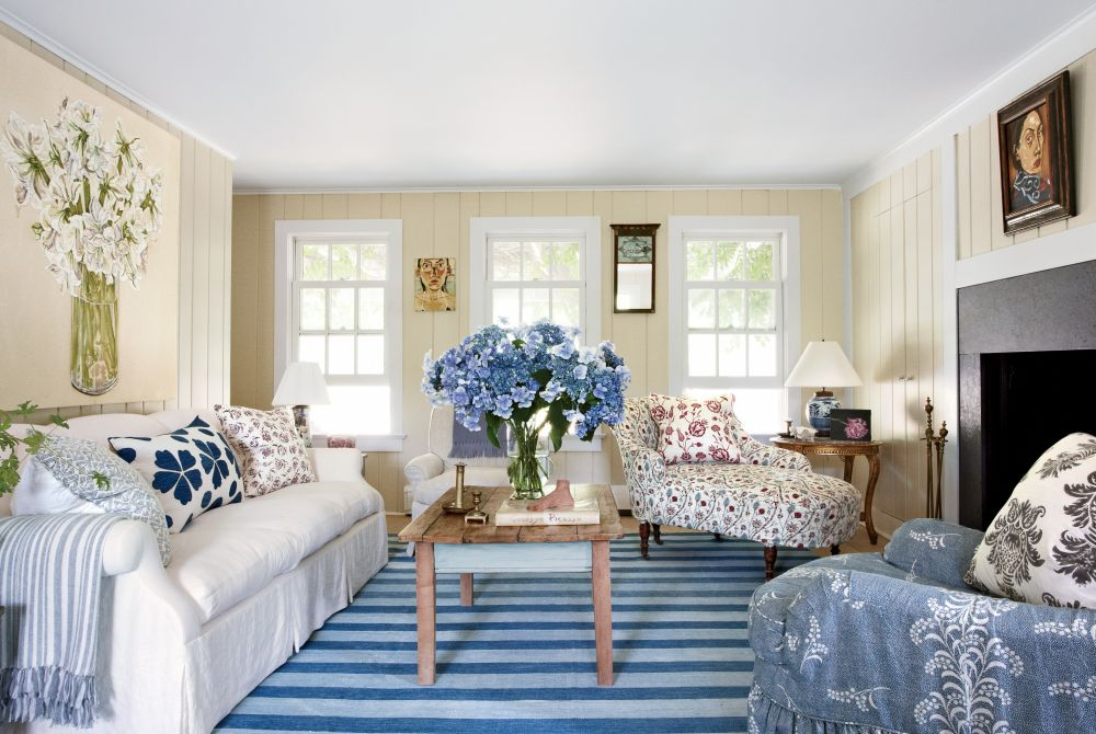 Coastal Living Rooms That Will Make You Yearn For The Beach East Hampton House