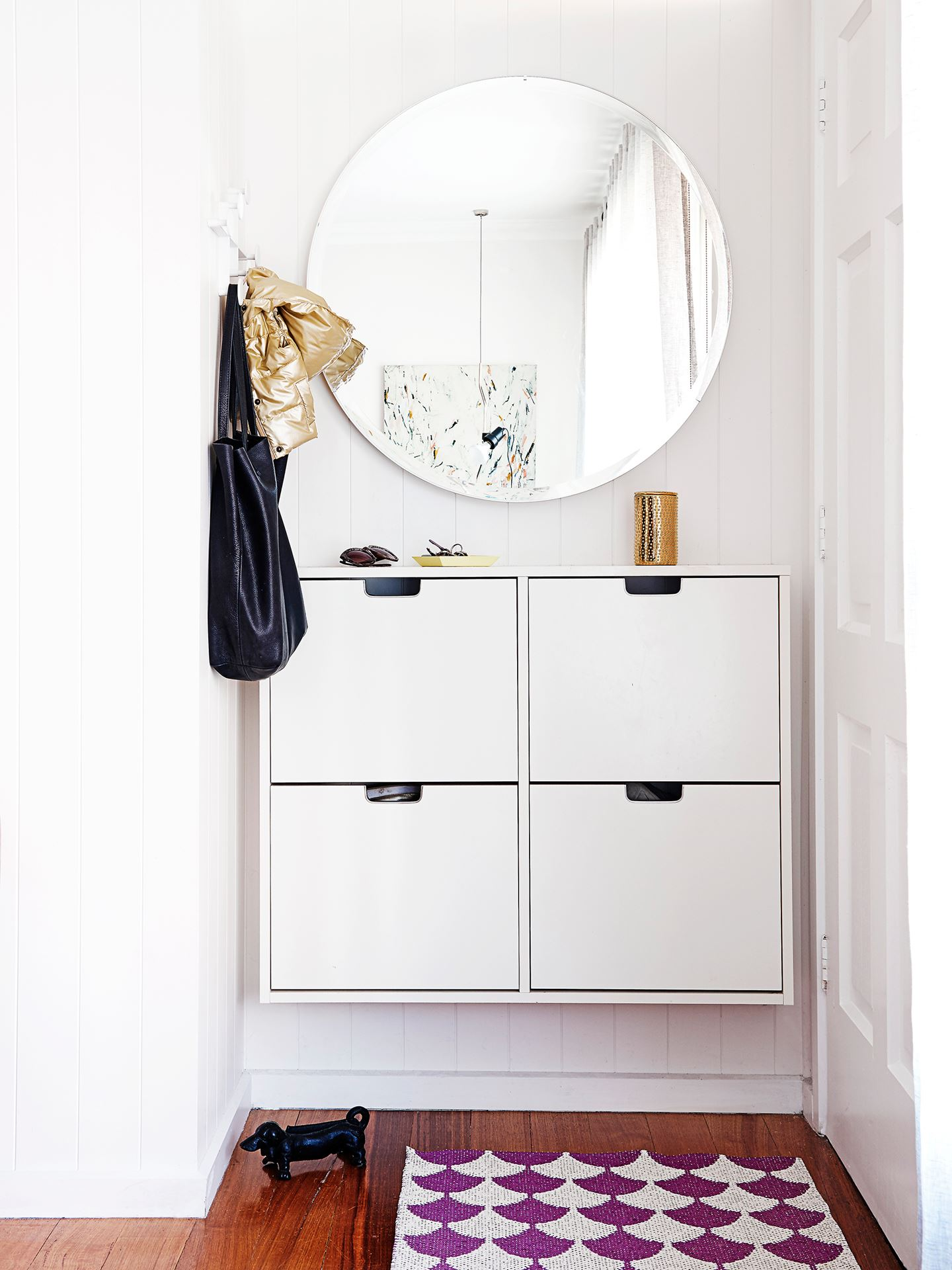 Foyer Minimalist Shoes : Ditch the clutter minimalist entryways