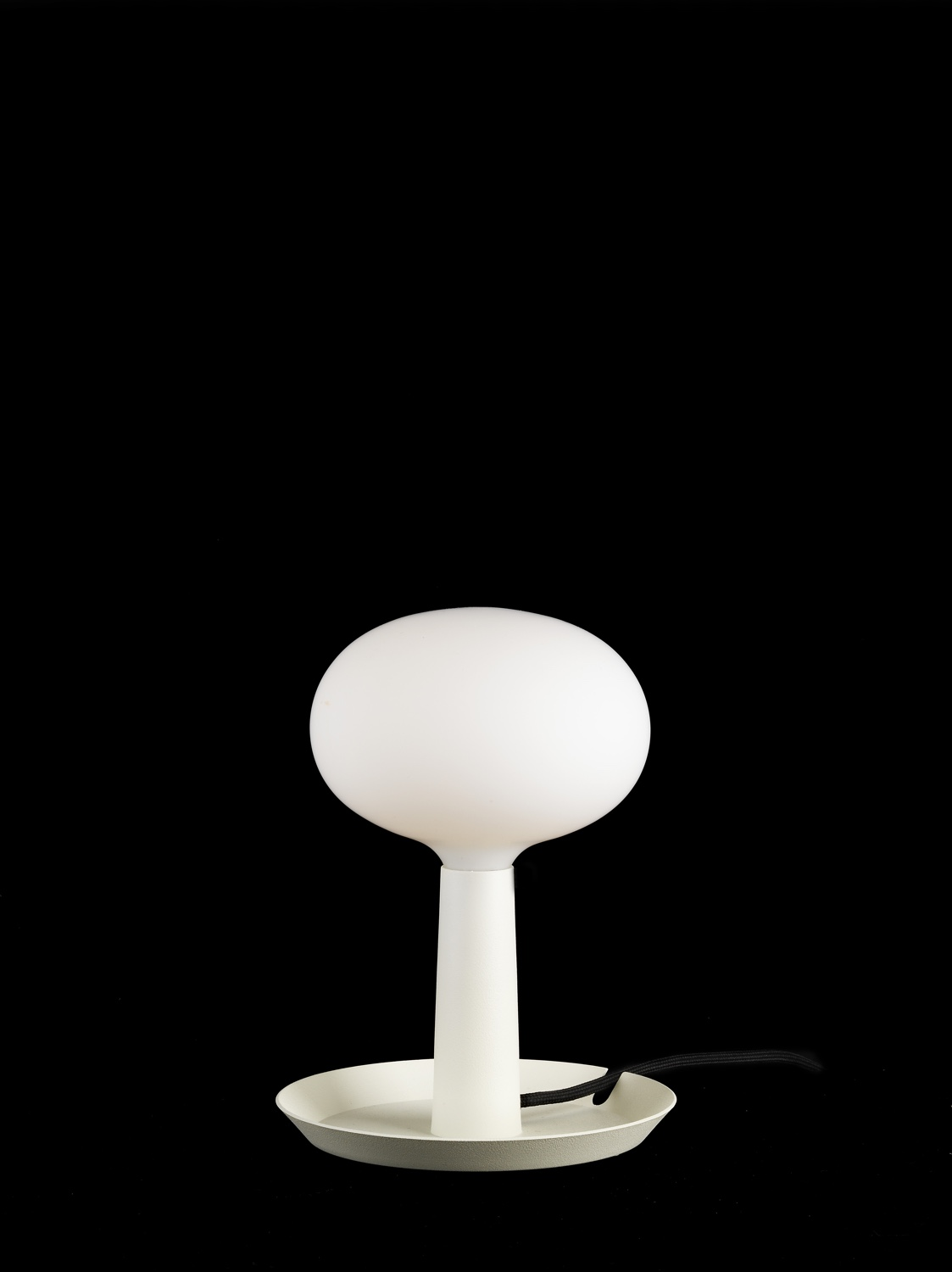 Tray table lamp white