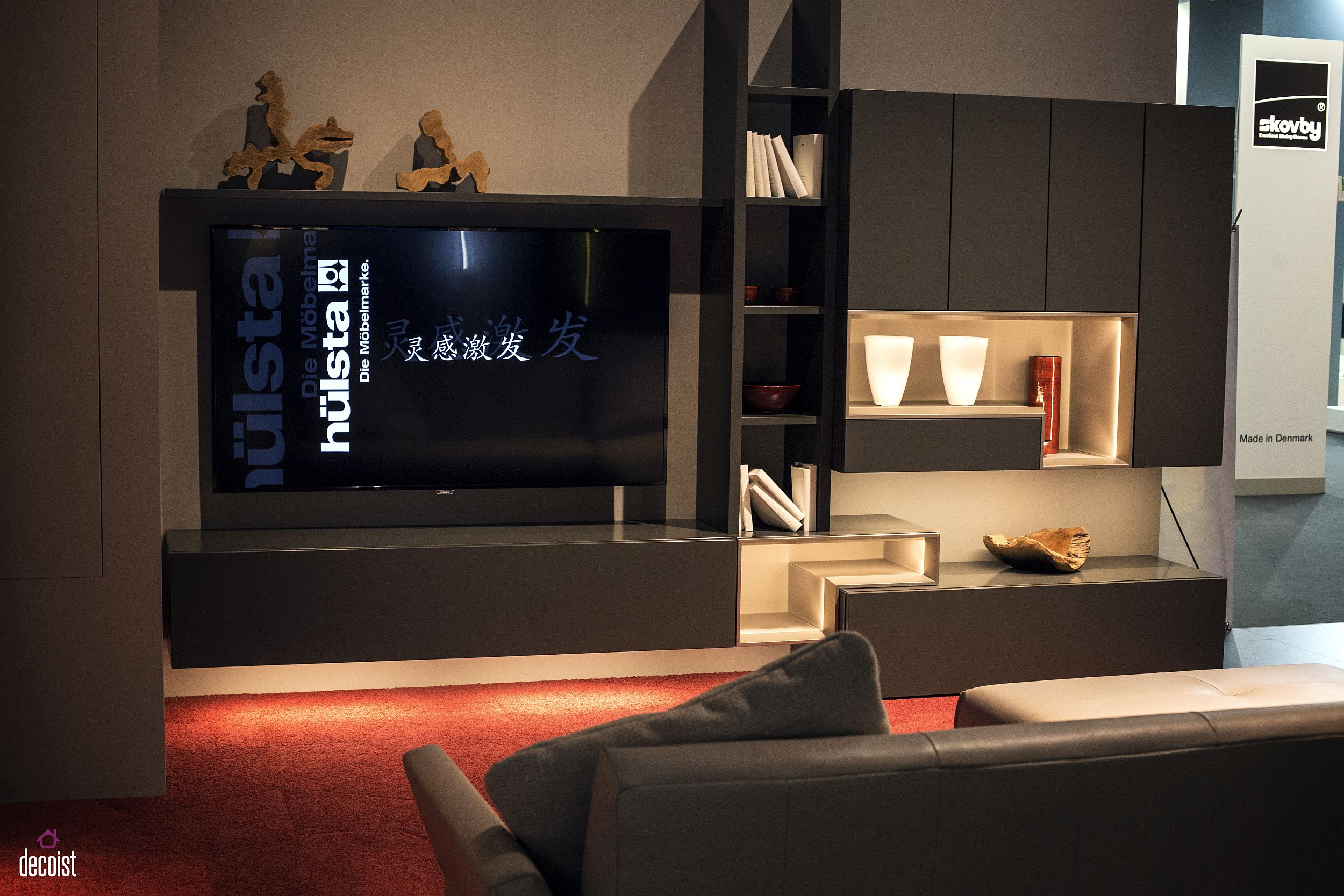 Tastefully space savvy 25 living room tv units that wow for Focal point of a room