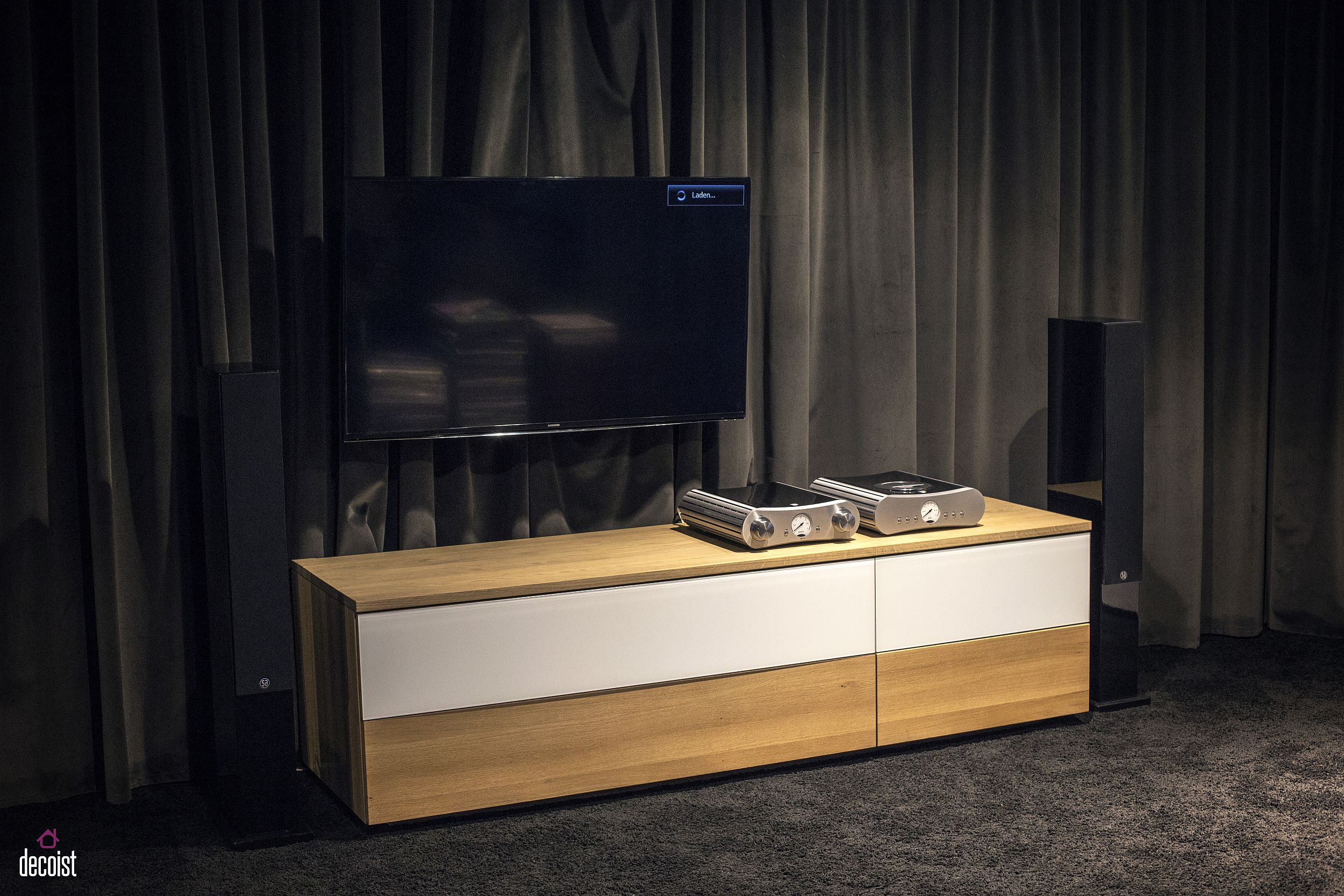 Ultra-small TV cabinet for the tiny living room