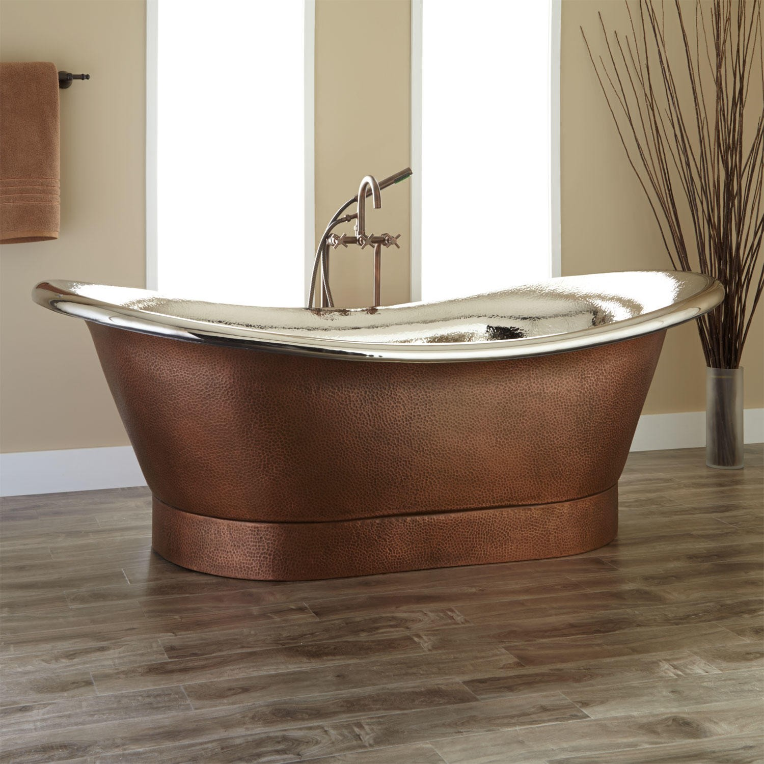 Copper Bathtubs: Turning Your Bathroom Into An Antique