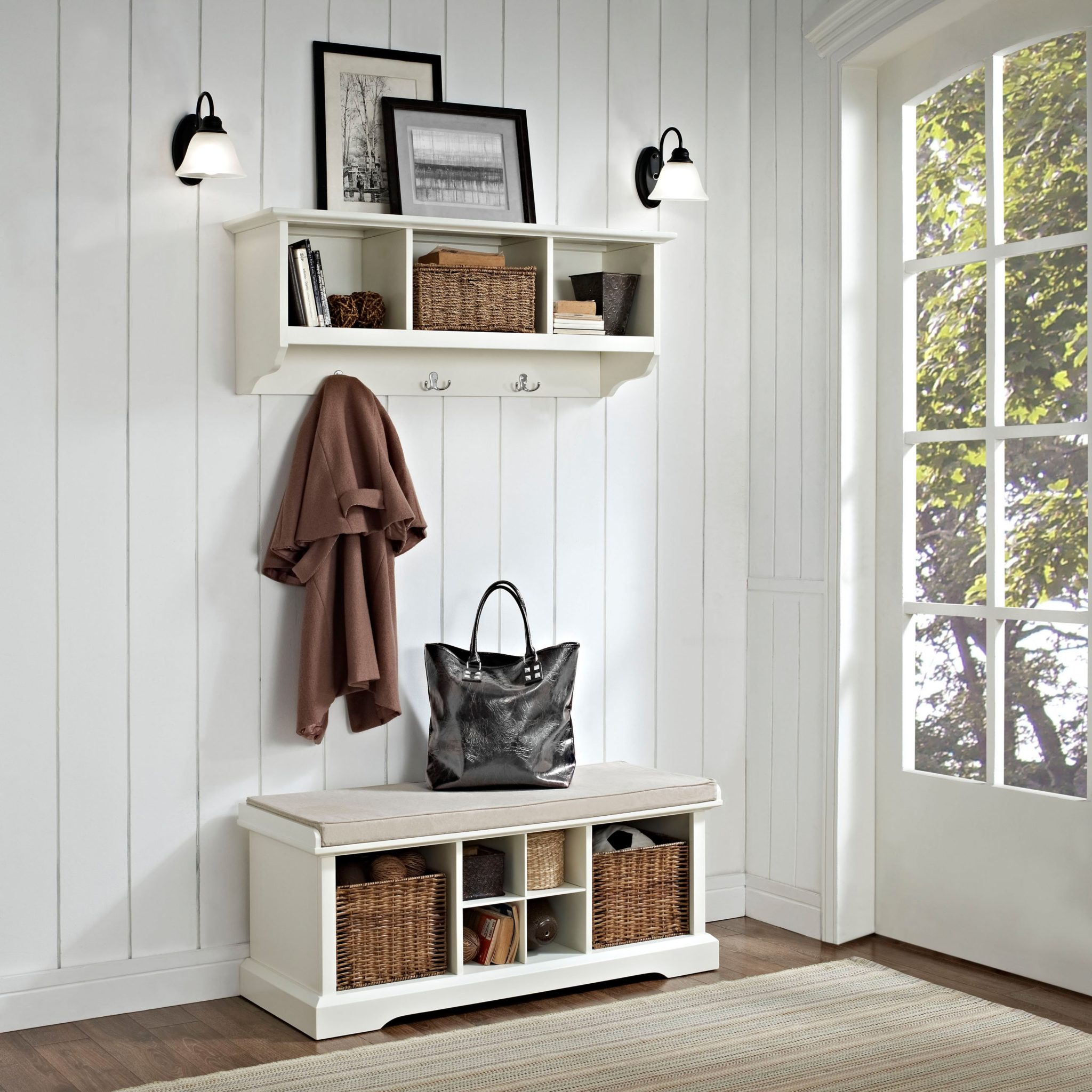 Utilizing-the-vertical-space-makes-for-a-small-and-cozy-entryway-