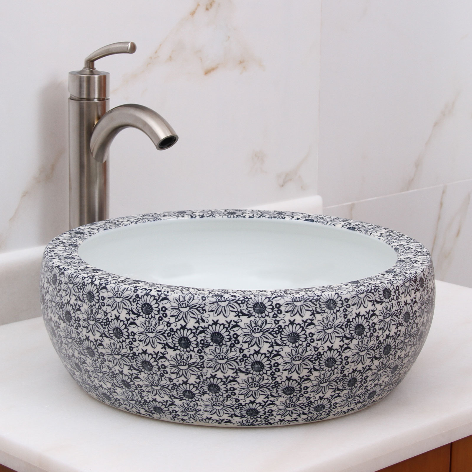 Vessel sink as a completely unique element in the bathroom