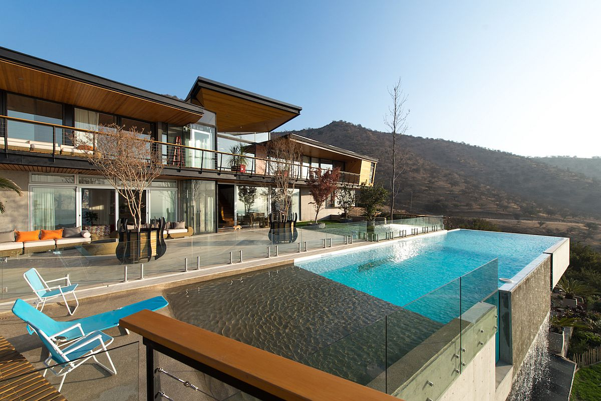 View of the rear deck and infinity pool at Casa Chamisero
