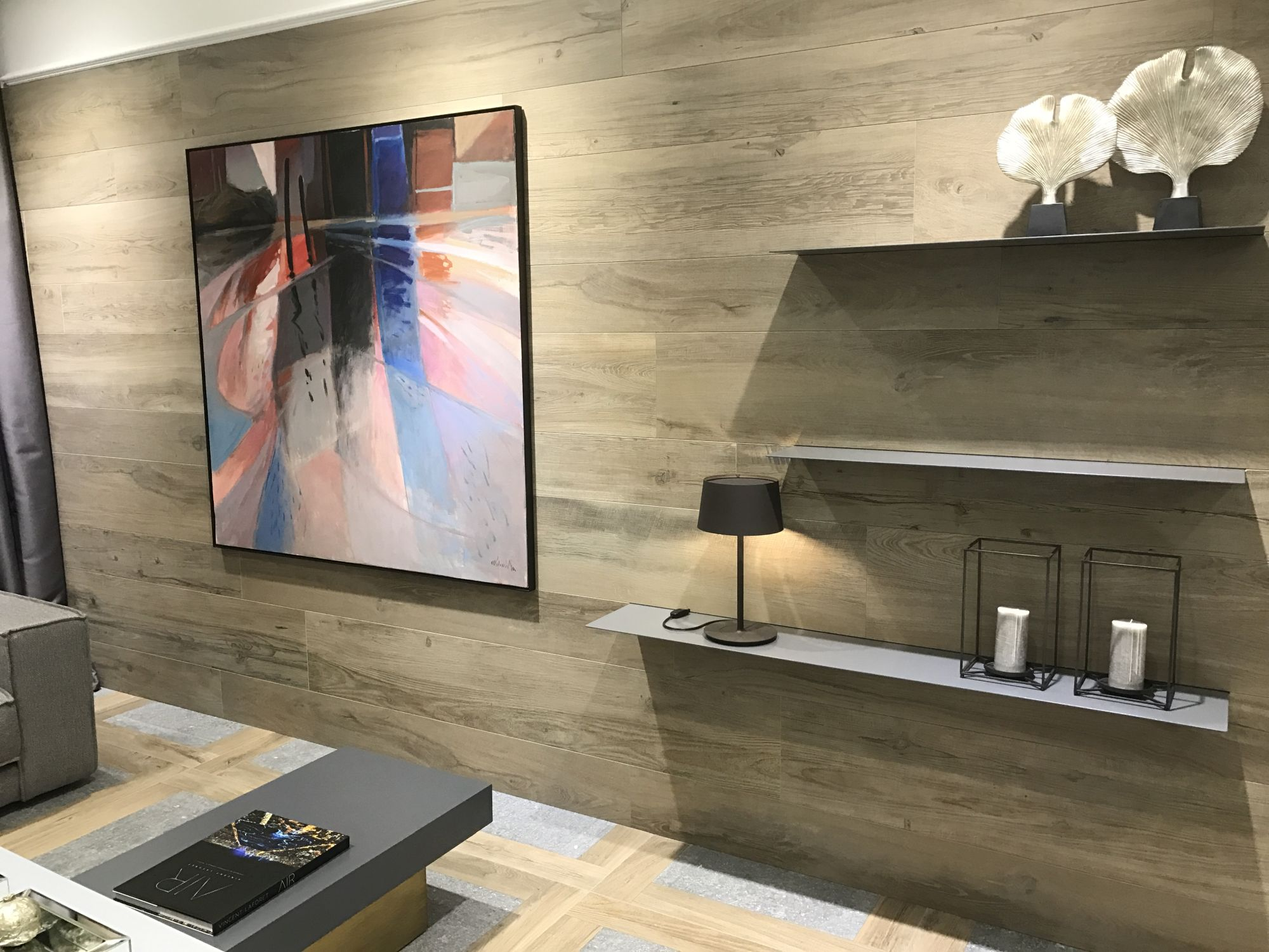 Wood-inspired-ceramic-wall-tiles-by-Porcelanosa