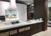 Wood-looking-tiles-marble-top-and-white-finishes-GamaDecor-kitchen-217x155
