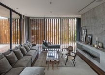 Wooden slats allows those inside to shift between privacy and unabated views 217x155 Bravos House: Encased in Moving Wooden Panels and Slats