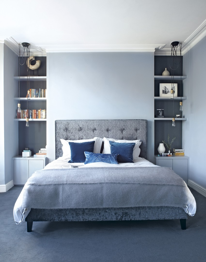 A simplistic light blue wall will keep the interior refreshing