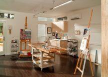 A-spacious-and-bright-creative-corner--217x155