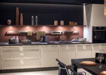 Backsplash-enlivens-the-kitchen-with-colorful-zest-217x155