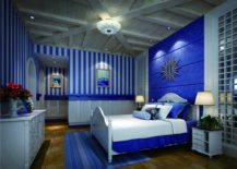 Bedroom-with-a-bold-blue-interior-and-a-harmonious-atmosphere-217x155