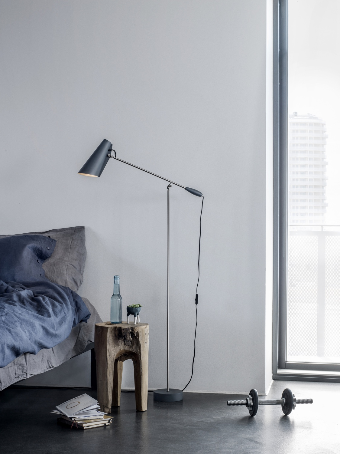 Birdy-floor-lamp-in-grey