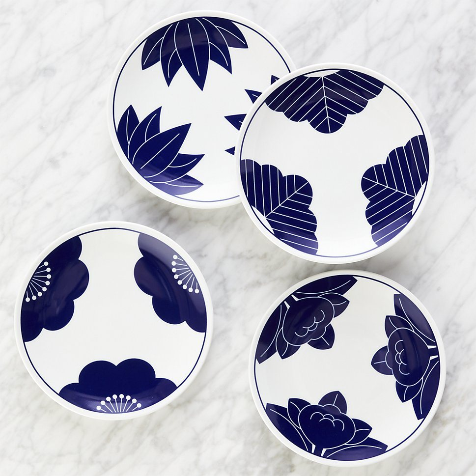 Blue and white dessert plates with Asian flair