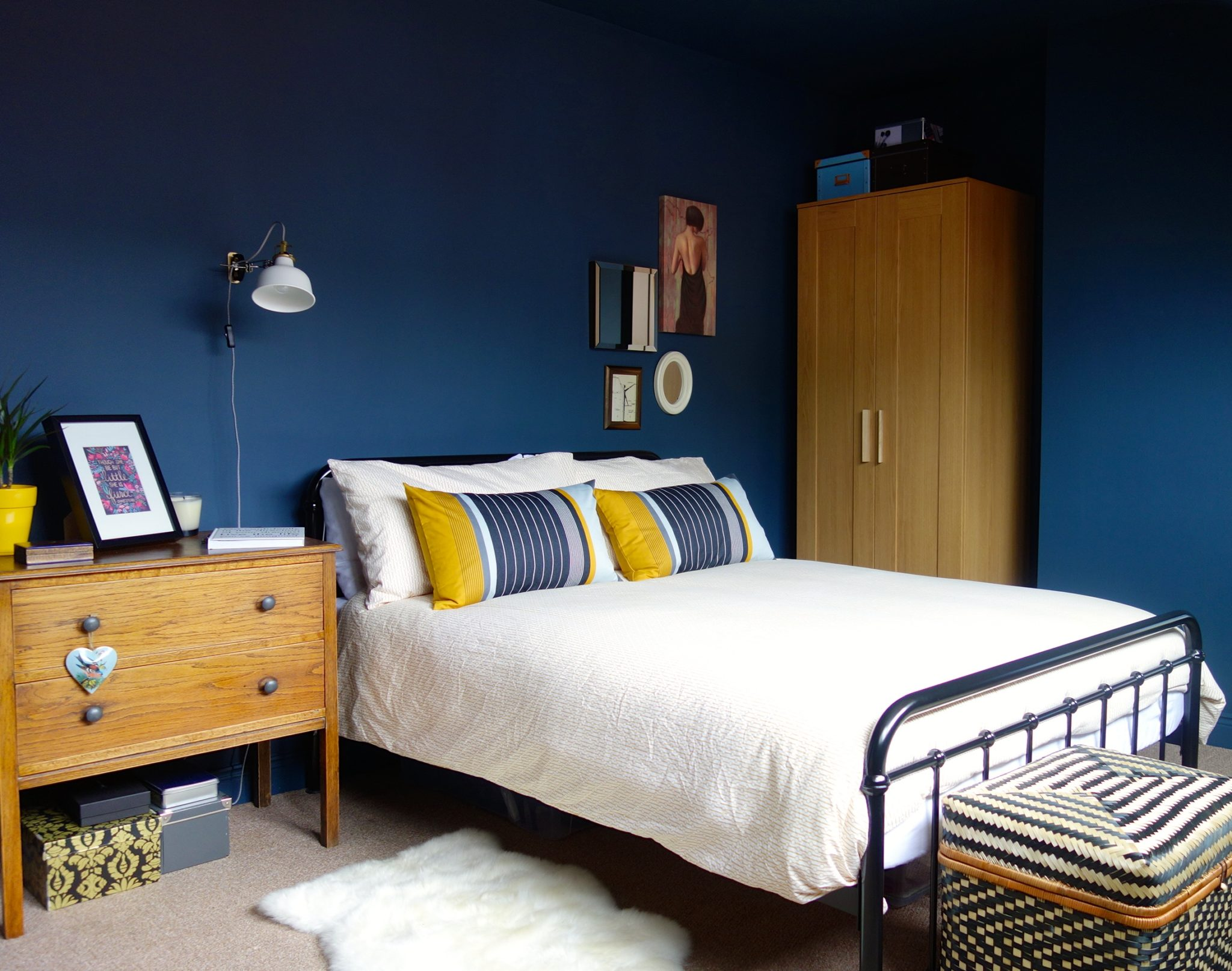 marvellous dark blue bedroom | Moody Interior: Breathtaking Bedrooms in Shades of Blue