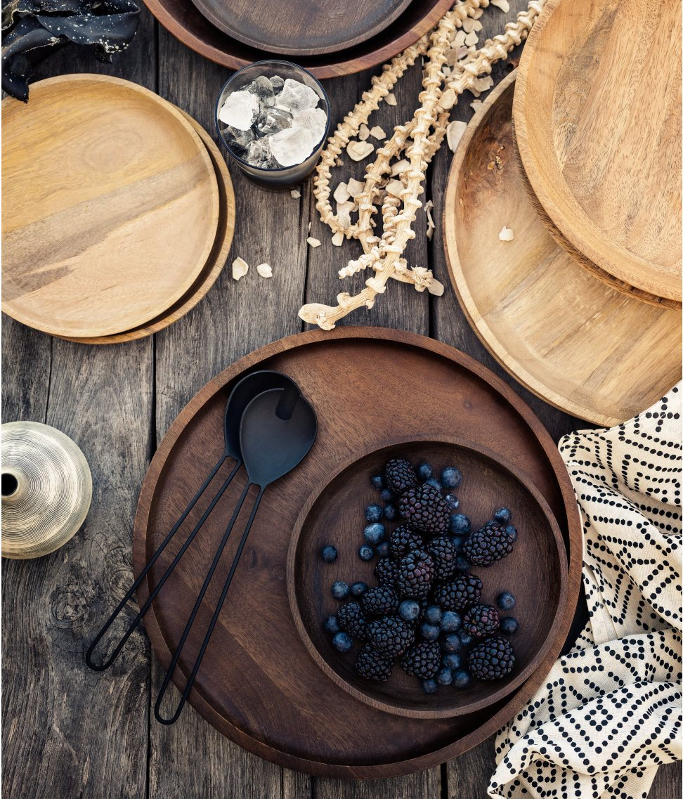 Breezy tableware from H&M Home