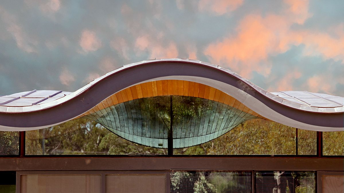 Closer look at the amazing design of the wavy roof