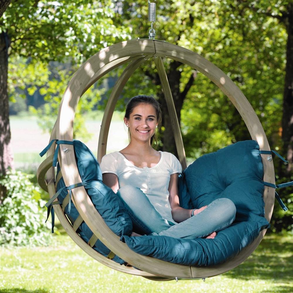 Contemporary globe-like garden swing