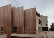Dashing wooden walls places to keep out noise 217x155 Wall of Wood: Acoustics Meet Aesthetics at House in Pedralbes