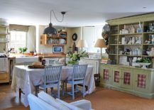 Elegant kitchen veers more towards classic than modern design elements 217x155 15 Ways to Bring Rustic Warmth to the Modern Dining Room