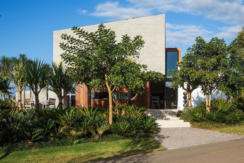 Entrance to House EL