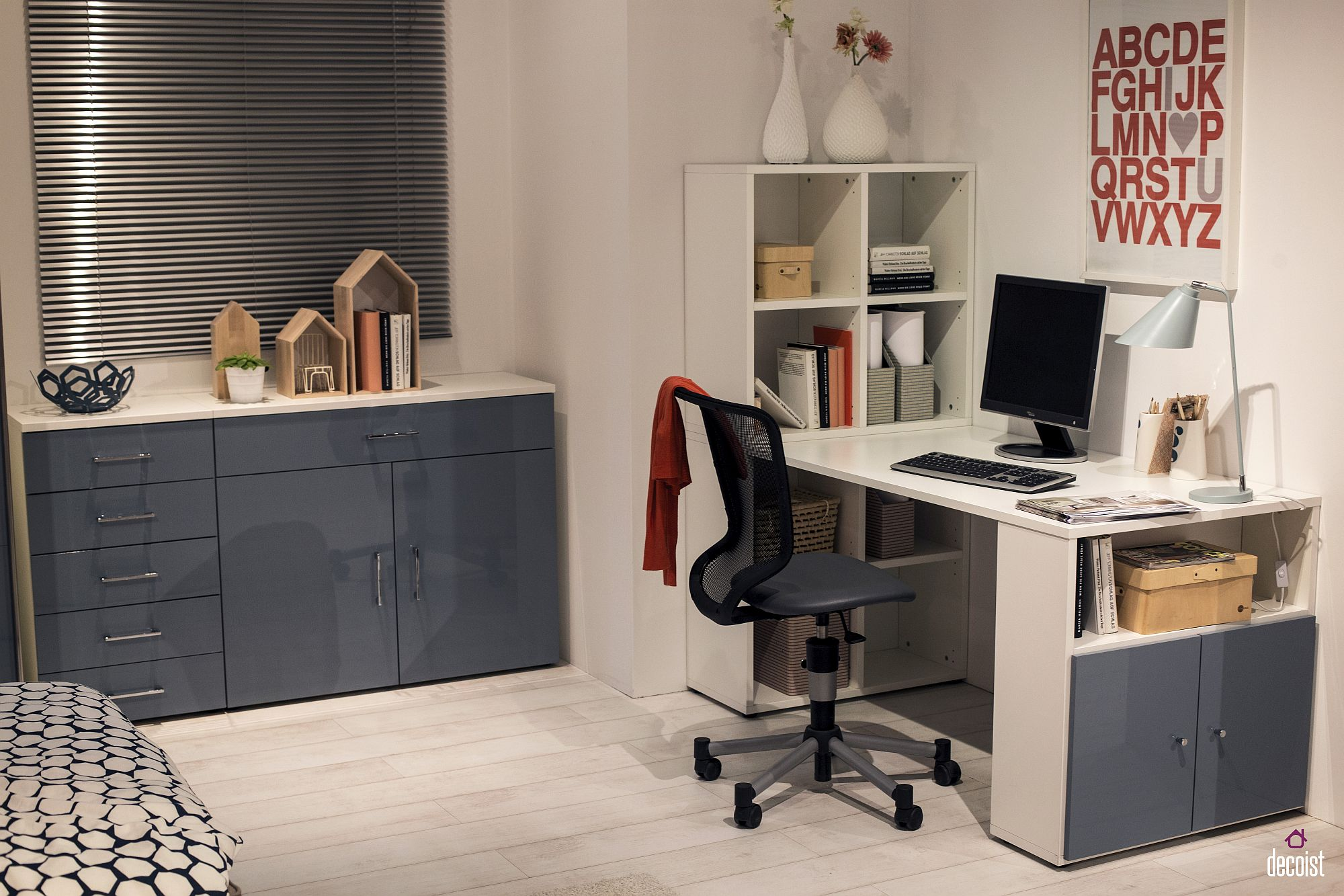 Ergonomic workdesk and matching shelves for the teen room