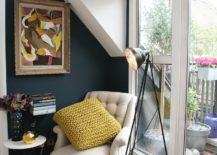 Exquisite-little-reading-nook-next-to-the-balcony-217x155