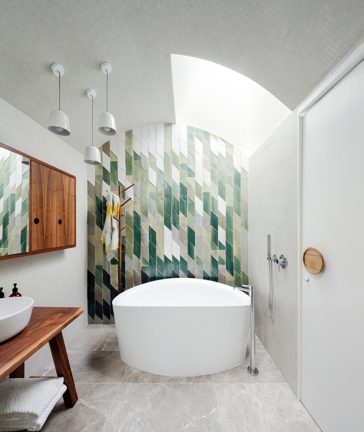 Fabulous and colorful tiled backsplash for the contemporary bathroom