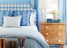 Fresh-and-youthful-blue-bedroom-with-shabby-chic-elements-217x155