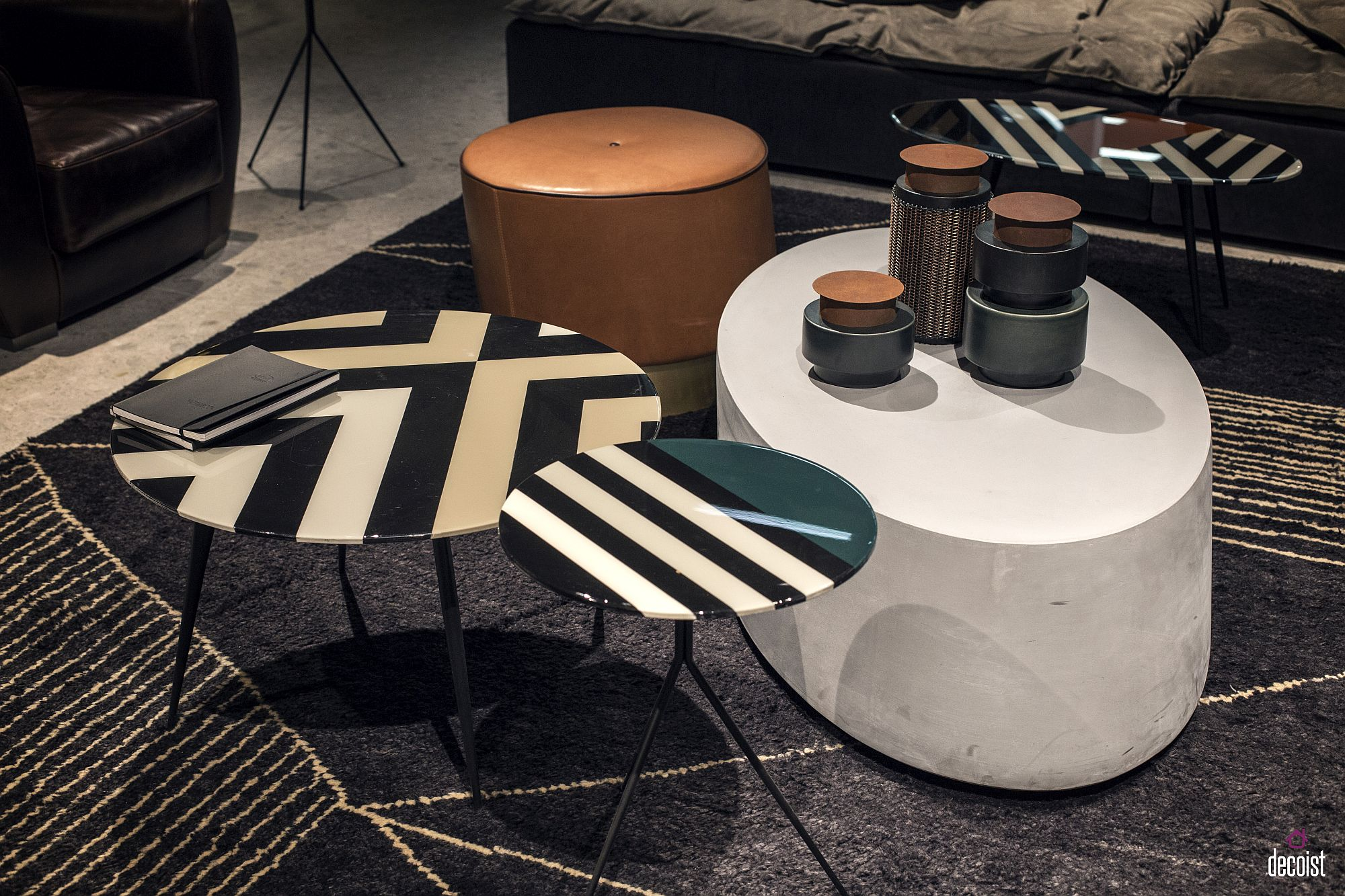 Geo design of the end tables with black and white flair