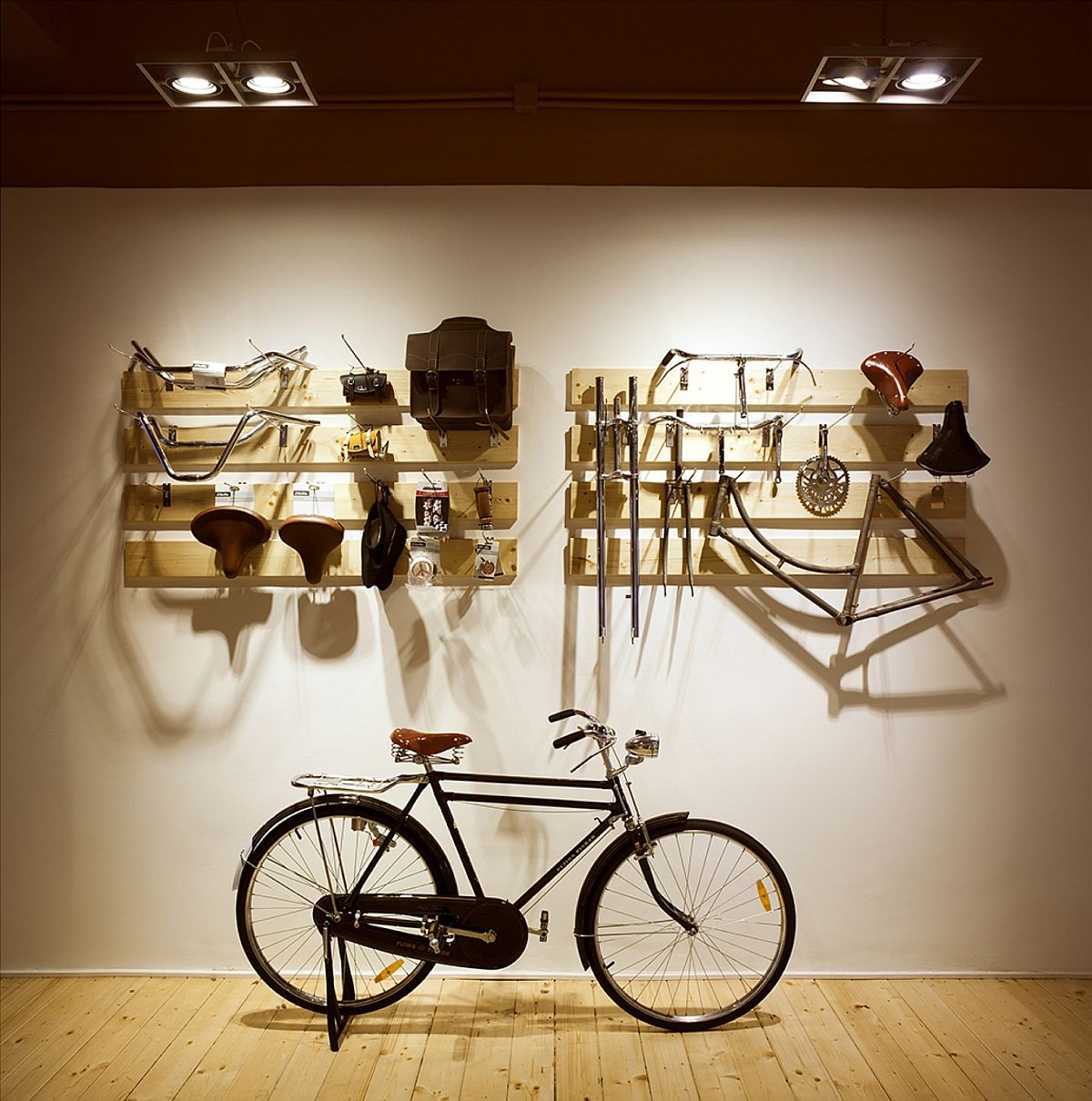 Goregous gallery inside the cycle shop