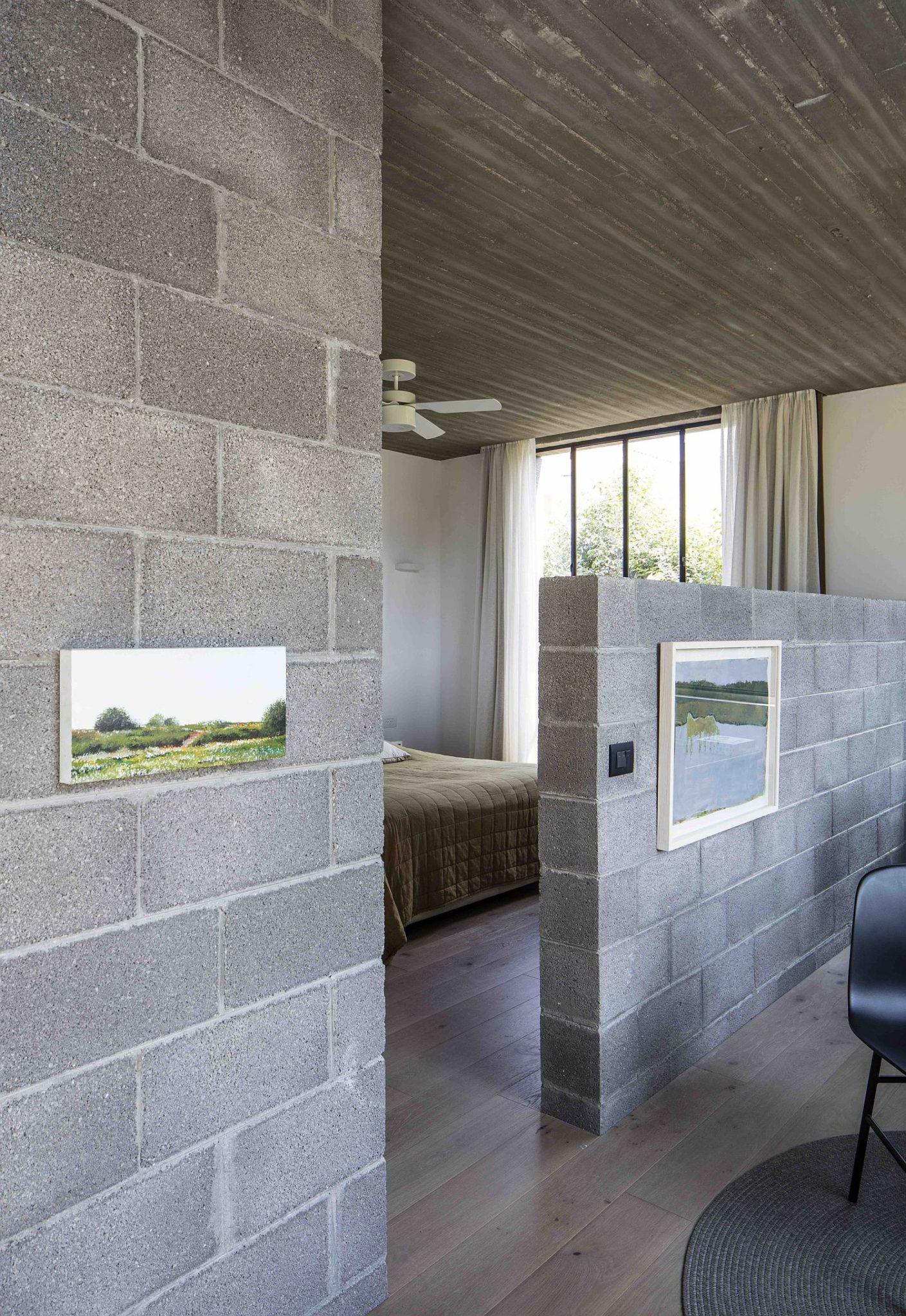Bedroom Layout With Vanity