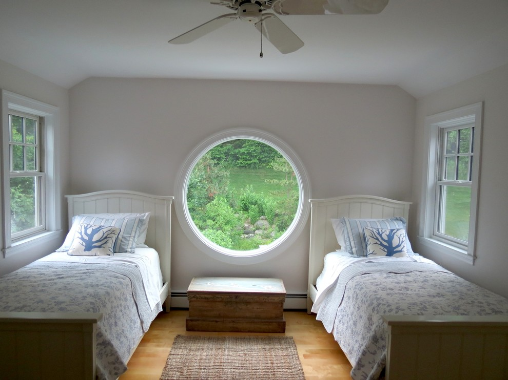 Large round window makes the bedroom open and breathable