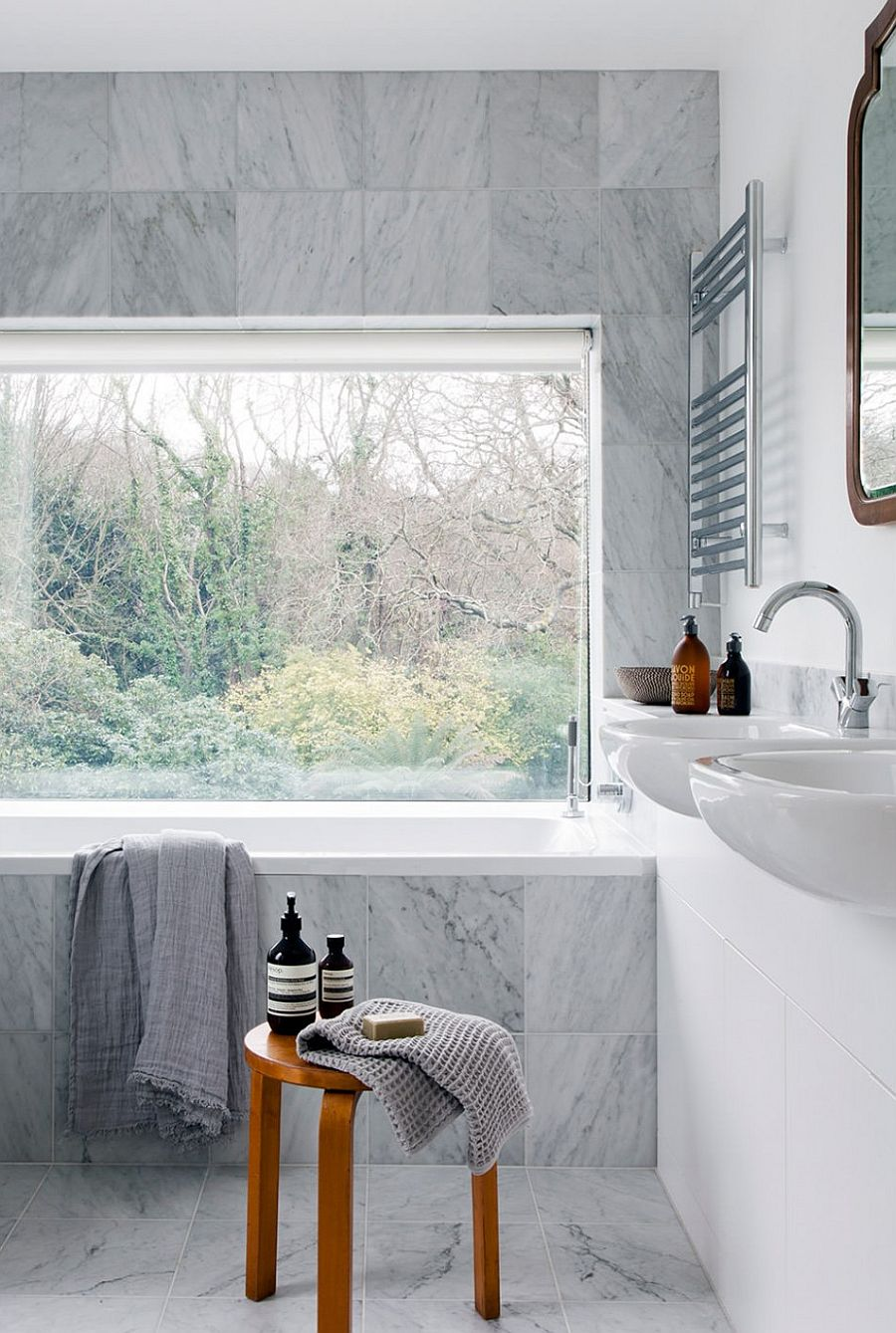 Marble brings opulence to the contemporary bathroom
