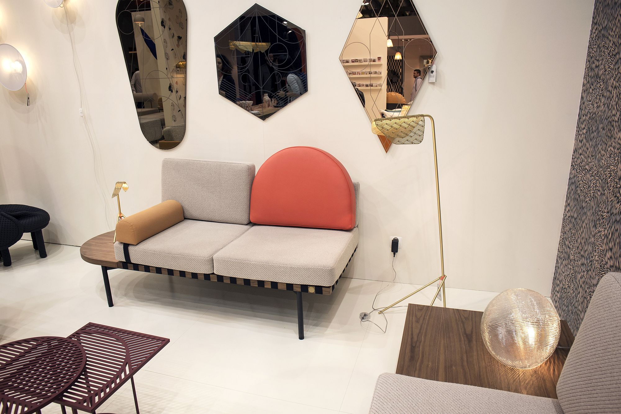 Mirrors-bring-geo-style-to-the-interior