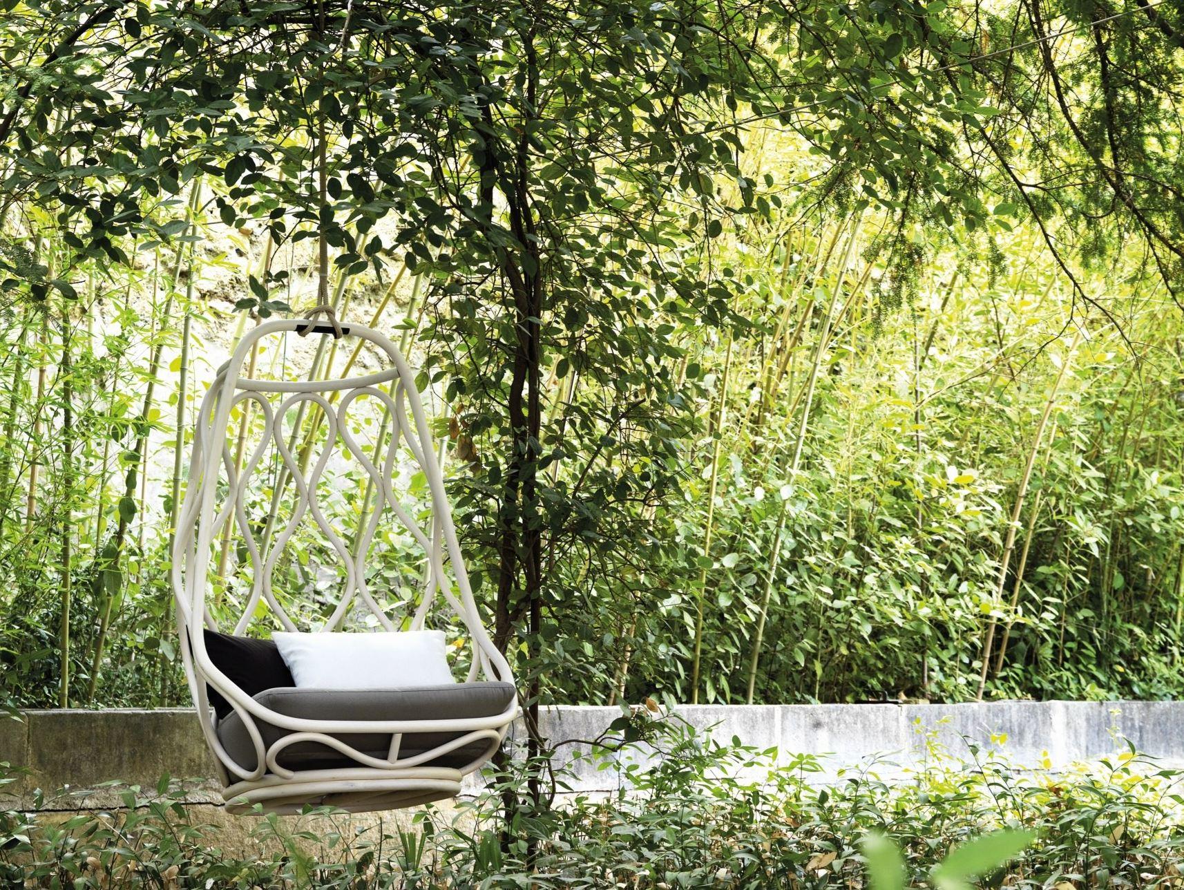 Modern and elegant garden swing for a minimalist garden