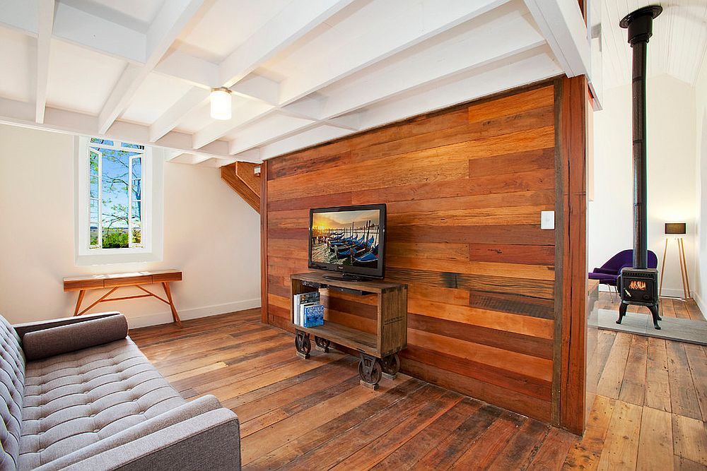 Modern-industrial-living-room-with-a-gorgeous-wood-accent-wall