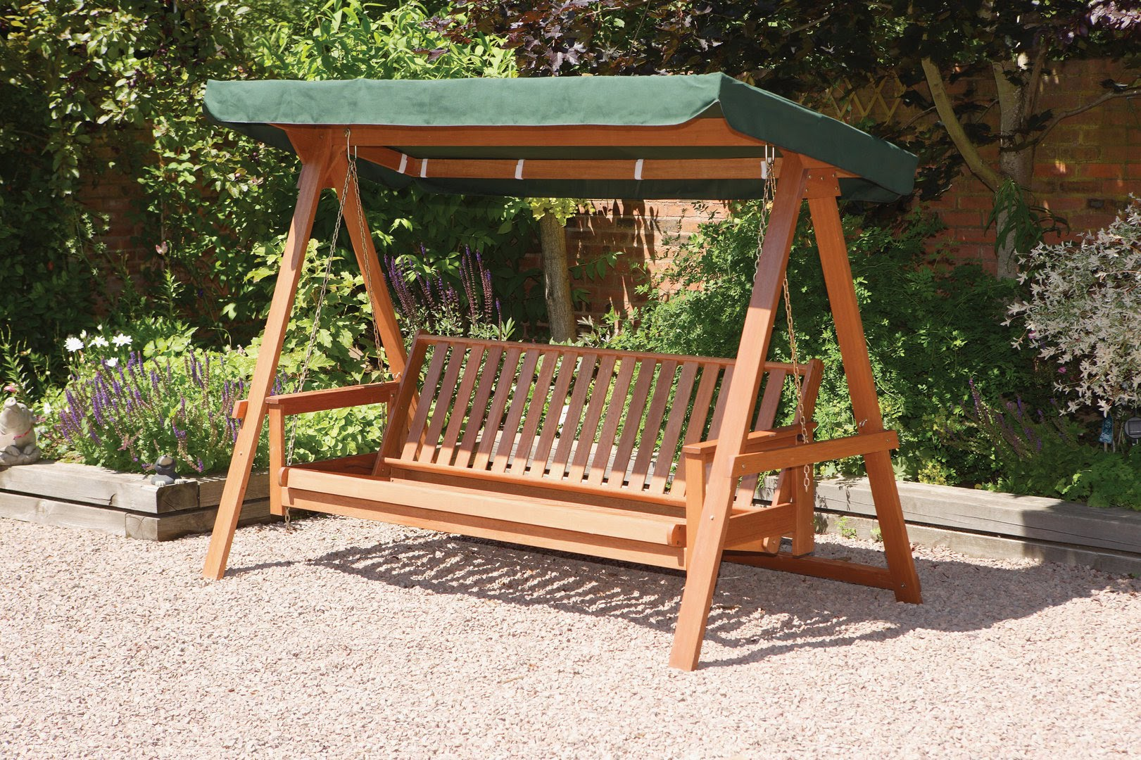 Garden swings the enchanting element in your backyard for Garden jhoola designs